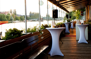 MEET BERLIN Event Location WHITE Spreelounge